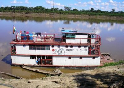 """Health care for 24 communities of the Mamoré River through the """"Kenko Go Hospital-Boat"""" and a network of health promoters"""