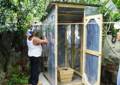 Emergency aid for the construction of family latrines in the Brisas del Yuna neighborhood in Bonao